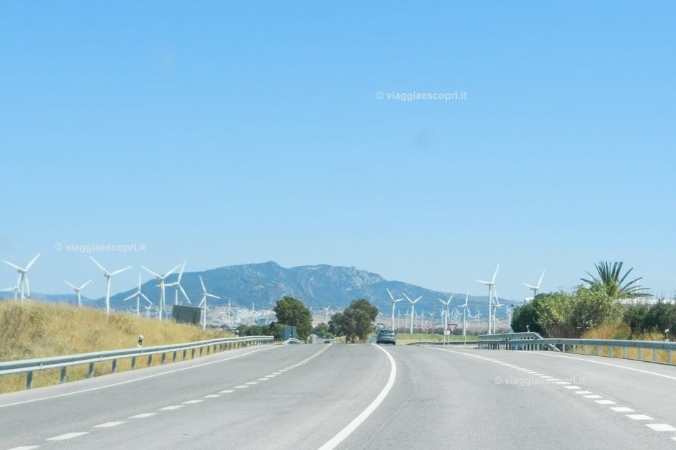 In viaggio verso Tarifa, Furti on the road