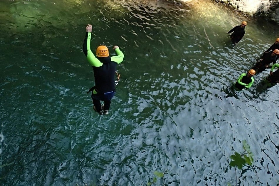 Canyoning, il primo tuffo
