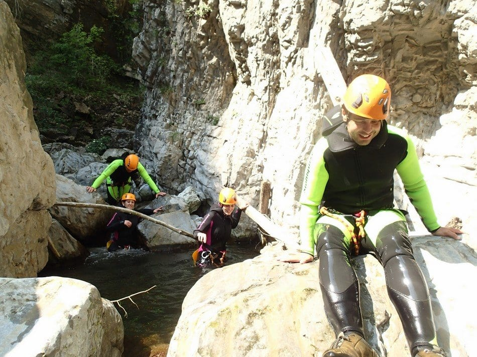 Canyoning, scivolare sulle rocce