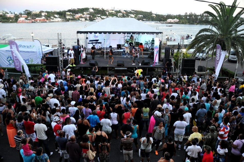 Hamilton e i party in Front Street, viaggi gay a Bermuda