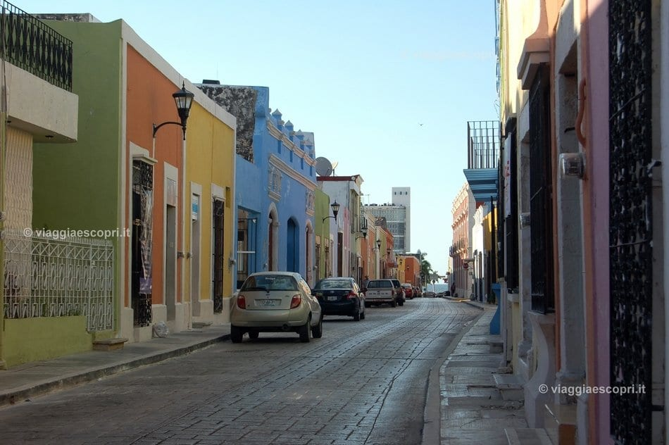 Le colorate case del centro di Campeche