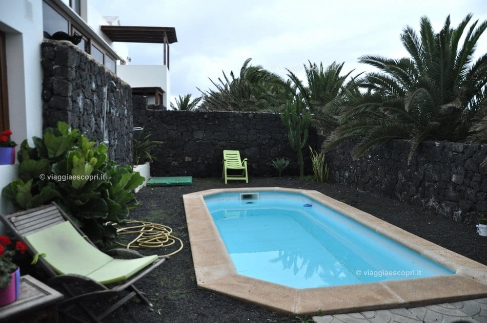 Piscina di Casa Iside, B&B gay friendly a Lanzarote