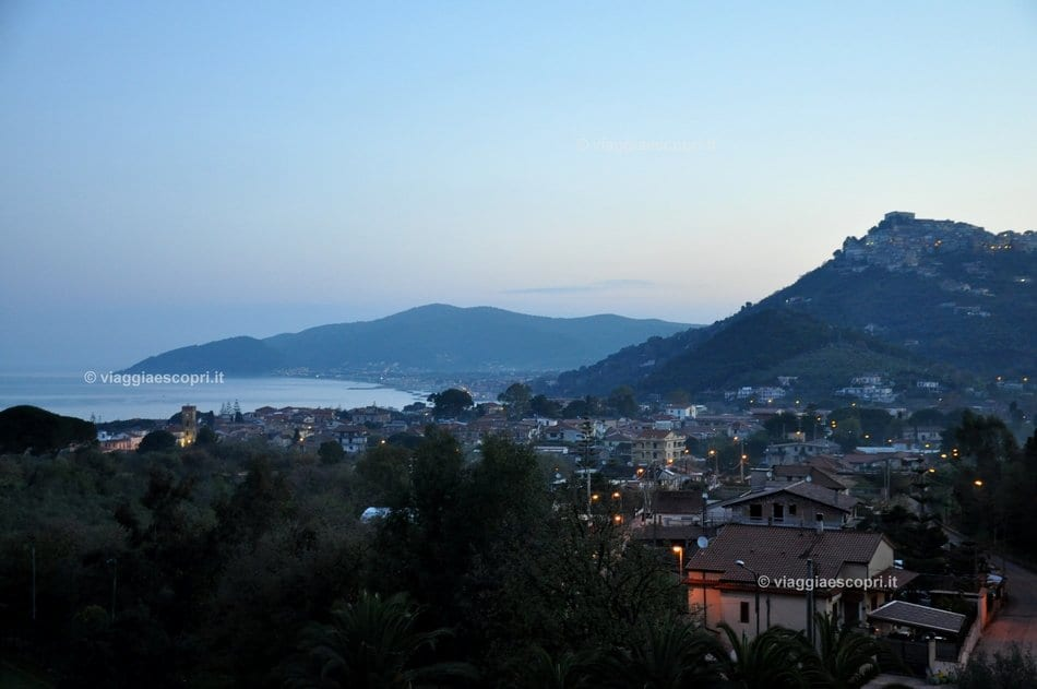 Panorama di Castellabate dall'Hotel Hermitage all'alba